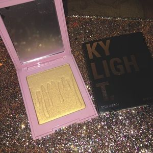 """Kylight by Kylie Jenner """"Dreamin' of Diamonds"""" NWT"""